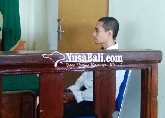 Nusabali.com - terdakwa-kasus-penistaan-agama-mulai-disidang