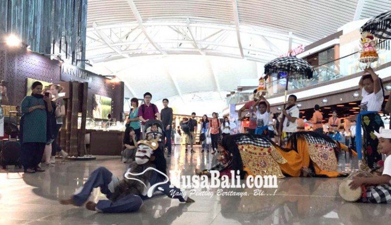 www.nusabali.com-sambut-kuningan-bandara-hadirkan-tradisi-ngelawang