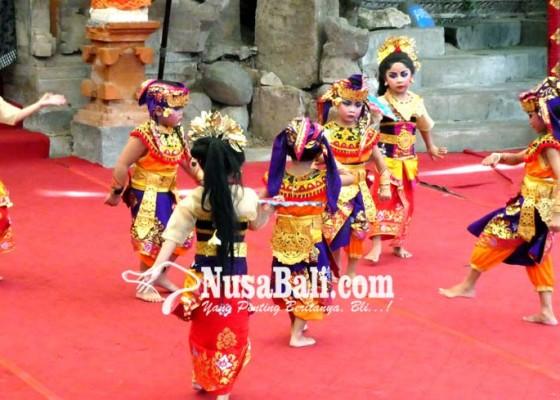Nusabali.com - tk-saraswati-1-dan-2-unjuk-kebolehan