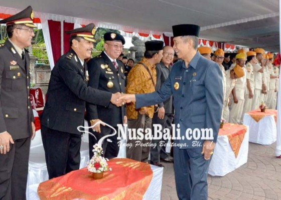 Nusabali.com - peringati-hari-pahlawan-pastika-ajak-semua-komponen-tingkatkan-persatuan-membangun-bangsa