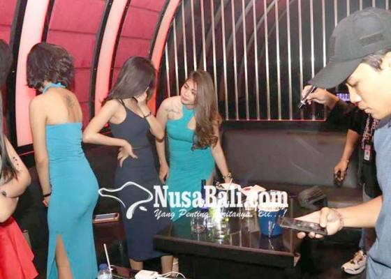 Nusabali.com - karaoke-platinum-dan-new-bahari-diobok-obok-polisi