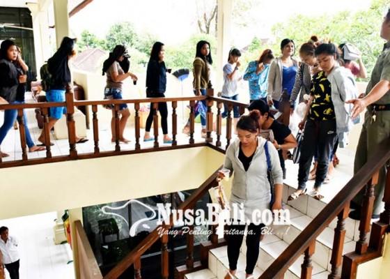 Nusabali.com - 33-wanita-pelayan-pria-hidung-belang-diciduk