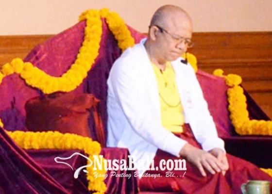 Nusabali.com - gede-prama-saat-berikan-siraman-rohani-pns-badung