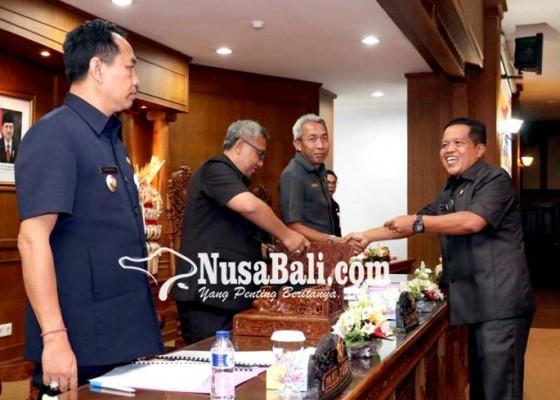 Nusabali.com - fraksi-partai-golkar-dprd-usulkan-membangun-pd-parkir