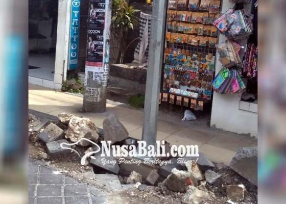 Nusabali.com - material-bekas-galian-lpj-dikeluhkan