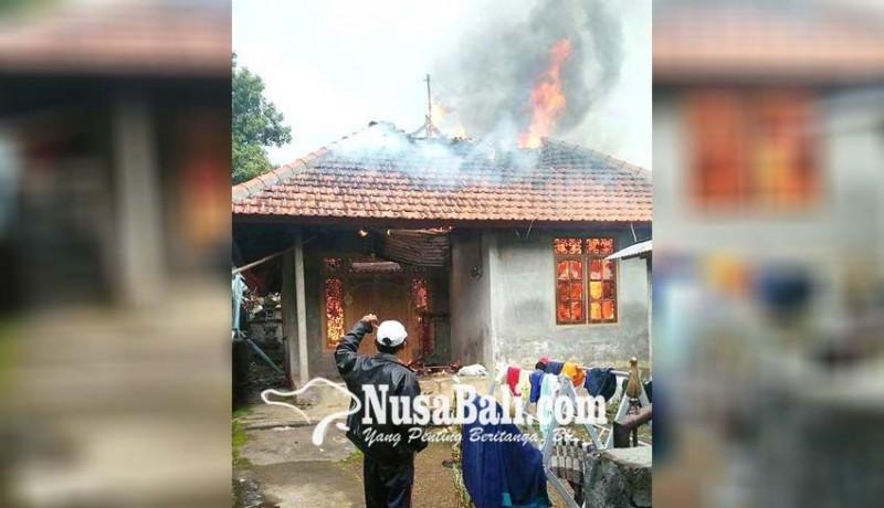 www.nusabali.com-ditinggal-kundangan-rumah-ludes-terbakar