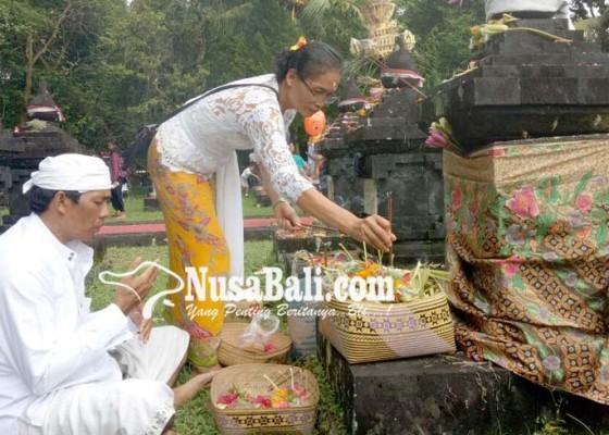 Nusabali.com - hut-margarana-ribuan-keluarga-pejuang-ziarah