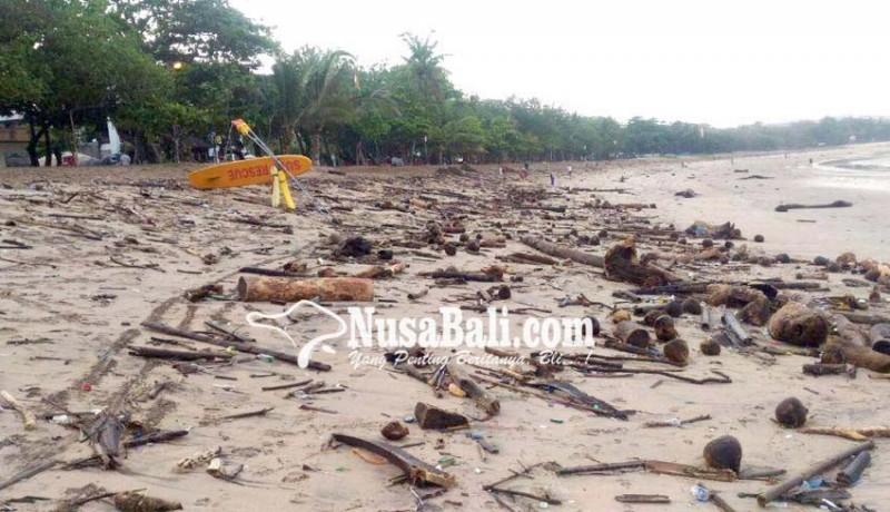 www.nusabali.com-pantai-kuta-dan-legian-darurat-sampah-kiriman