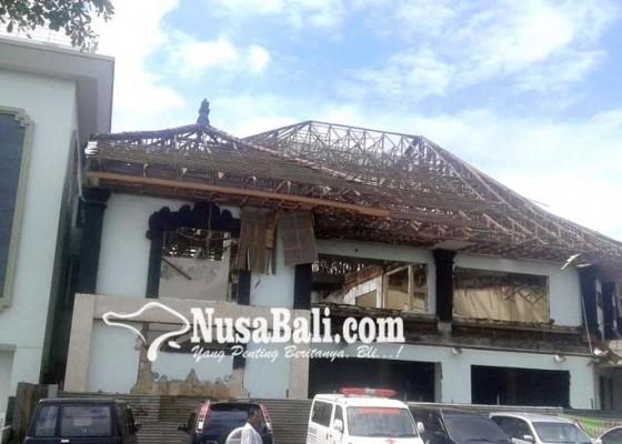 Nusabali.com - gedung-lama-rsud-mangusada-dibongkar