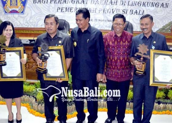 Nusabali.com - tiga-opd-pemprov-bali-dapat-penghargaan-adhyasta-prajaniti