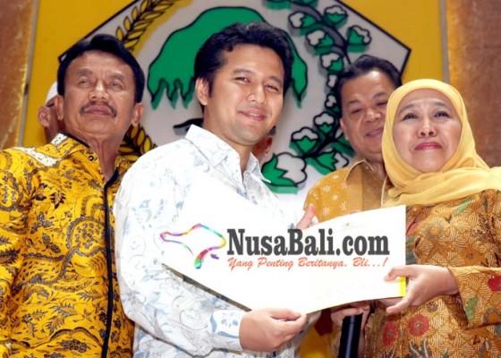 Nusabali.com - suami-artis-arumi-bachsin-dampingi-khofifah