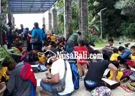 Nusabali.com - kebun-raya-gianyar-makin-diminati-warga