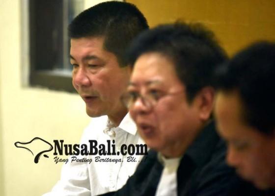 Nusabali.com - jpu-dan-pengacara-debat-soal-tong-sampah