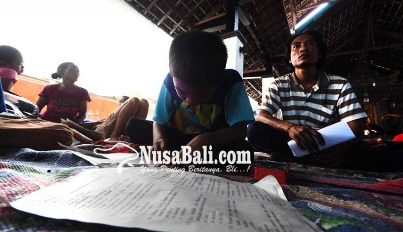 www.nusabali.com-siswa-pengungsi-uas-di-posko