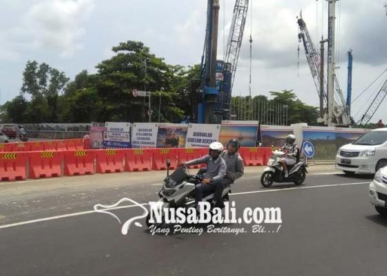 Nusabali.com - kendaraan-dari-arah-bandara-dialihkan