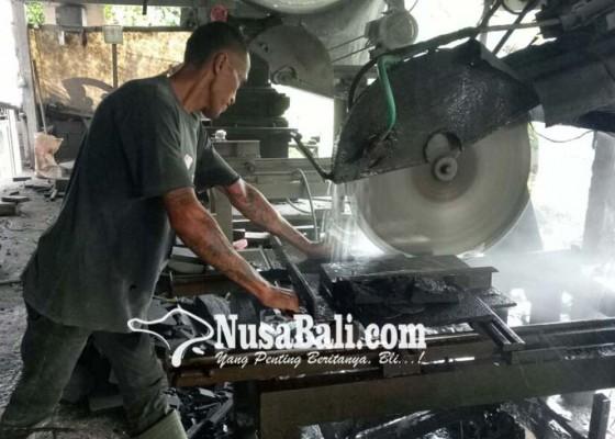 Nusabali.com - tukang-batu-hitam-terancam-menganggur