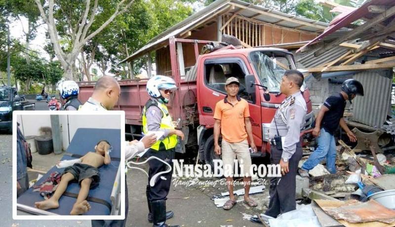 www.nusabali.com-truk-seruduk-warung-dua-bocah-luka-luka