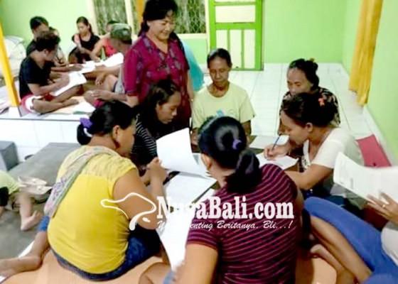 Nusabali.com - ratusan-lansia-ikuti-program-keaksaraan-dasar