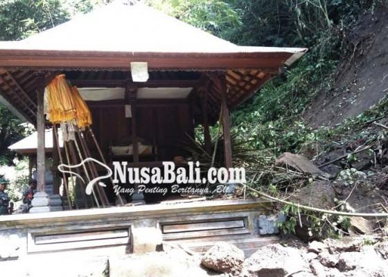 Nusabali.com - tebing-longsor-hancurkan-pura-taman