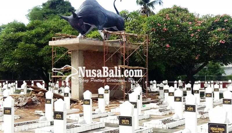 www.nusabali.com-patung-banteng-di-tmp-kembali-dibangun