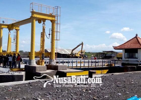 Nusabali.com - pelabuhan-gunaksa-rentan-terkubur