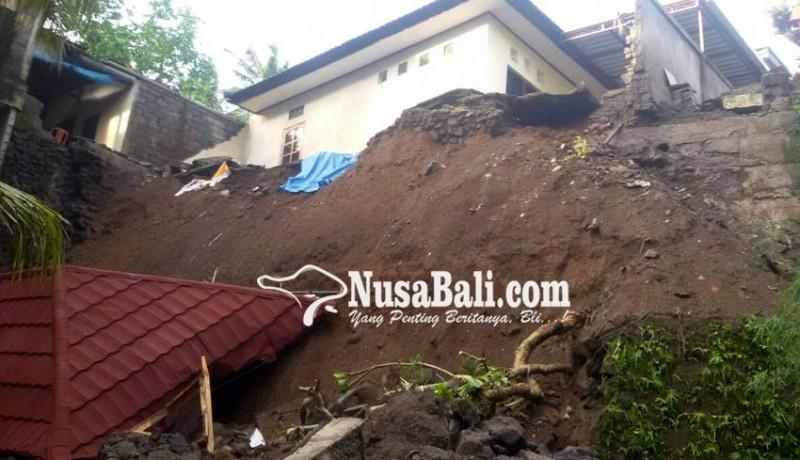 www.nusabali.com-longsor-rumah-dan-sanggah-pun-ikut-terjungkal