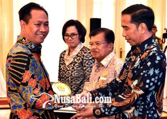 Nusabali.com - badung-terima-penghargaan-dana-rakca-dari-presiden-ri