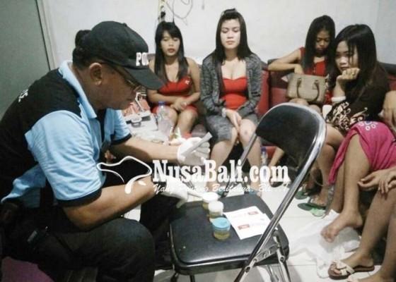 Nusabali.com - pengunjung-kafe-terjaring-positif-narkoba