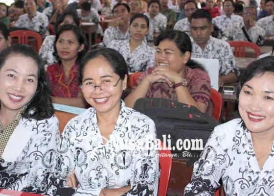 Nusabali.com - guru-wajib-miliki-karya-tulis