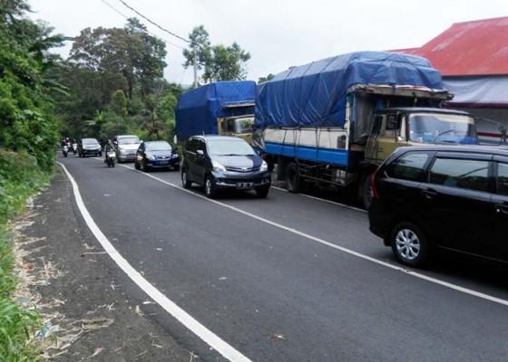 Nusabali.com - jalur-rawan-bencana-jadi-jebakan