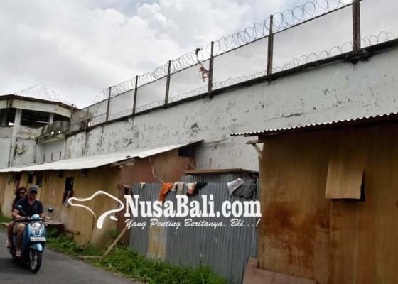 Nusabali.com - sipir-dan-kekasih-beasley-diperiksa