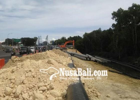Nusabali.com - pasir-proyek-underpass-didatangkan-dari-luar-bali