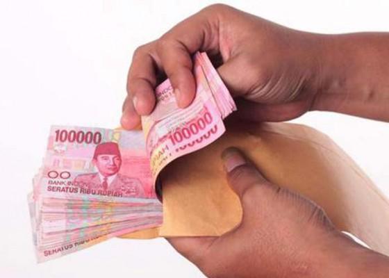 Nusabali.com - disdikpora-kucurkan-rp-27-m-dari-apbd-untuk-peningkatan-gaji-guru-honorer