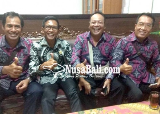 Nusabali.com - minta-agar-dapat-gaji-pengurus-forum-lpm-mesadu-ke-dewan