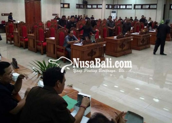 Nusabali.com - dprd-tak-kuorum-paripurna-batal