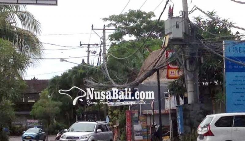 www.nusabali.com-kabel-semrawut-di-petitenget-jadi-sorotan