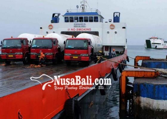 Nusabali.com - pelabuhan-padangbai-kelebihan-kapal