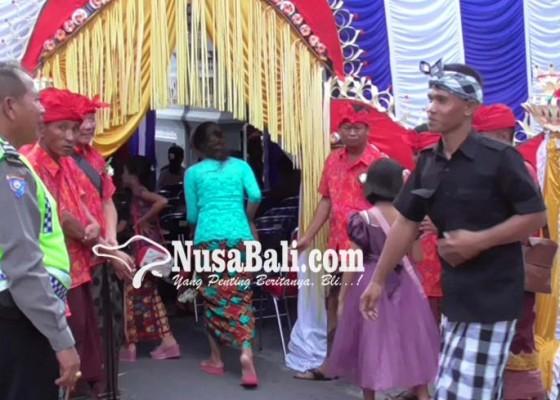 Nusabali.com - perayaan-natal-di-34-gereja-dijaga-ketat