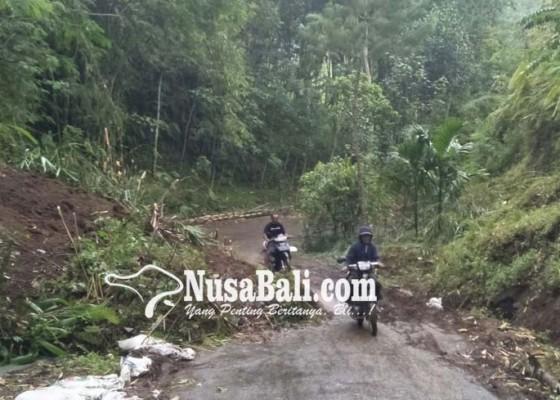 Nusabali.com - akses-jalan-tertutup-longsor