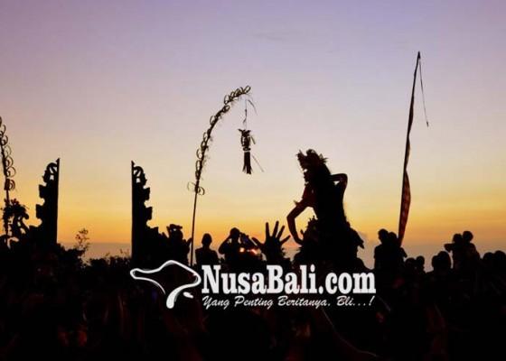 Nusabali.com - tradisi-mapeed-sukawati-pantang-ditiadakan