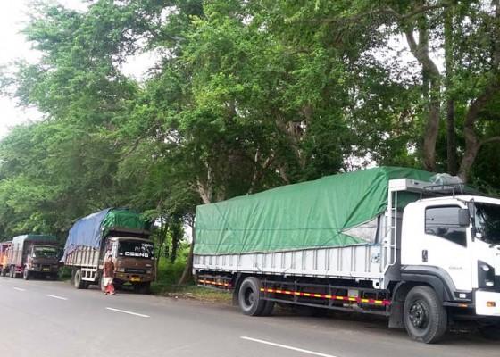 Nusabali.com - empat-hari-sopir-truk-tertahan-di-jembatan-timbang