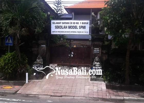 Nusabali.com - gerbang-sdn-1-buduk-disegel