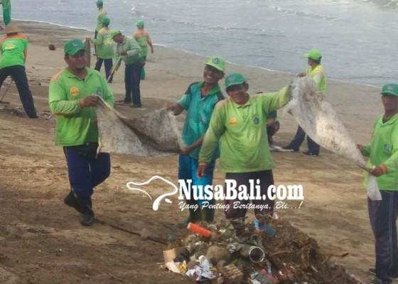 Nusabali.com - sebanyak-900-personel-bersihkan-345-ton-sampah