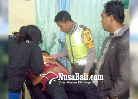 Nusabali.com - dikeroyok-dua-pemuda-gigi-lepas-dada-robek