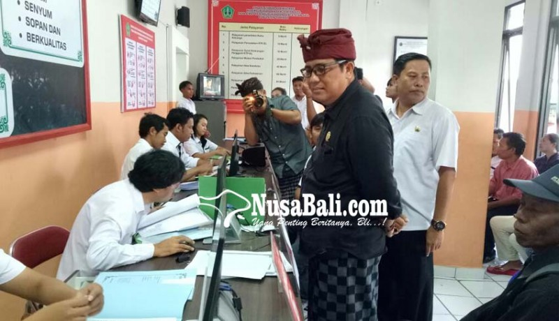 www.nusabali.com-mobil-layanan-keliling-dan-mesin-cetak-e-ktp-perlu-segera-direalisasi