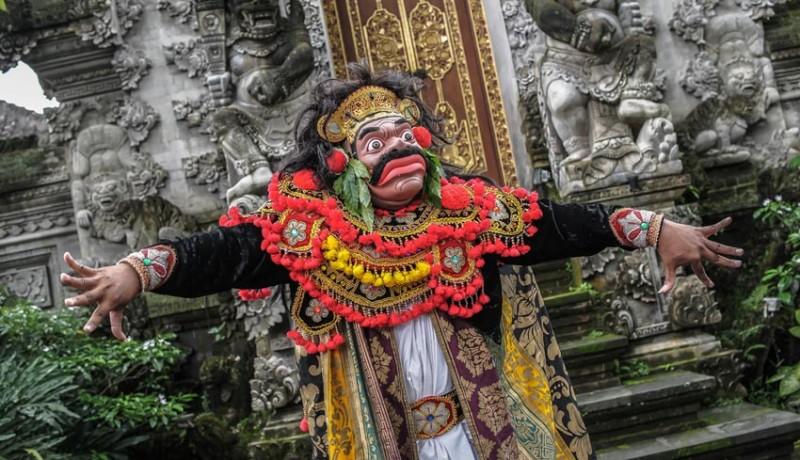www.nusabali.com-desa-visesa-presents-the-balinese-living-arts-show-performance