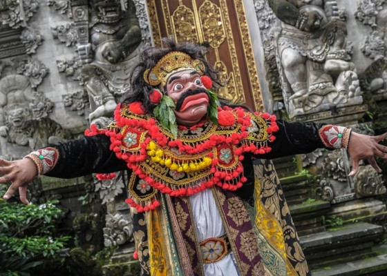 Nusabali.com - desa-visesa-presents-the-balinese-living-arts-show-performance