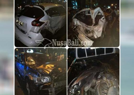 Nusabali.com - tabrakan-beruntun-libatkan-tiga-mobil-dan-satu-motor