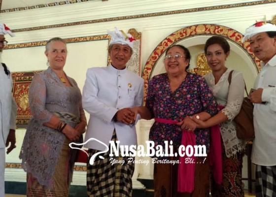 Nusabali.com - kertha-maha-mohon-restu-ke-puri-gianyar