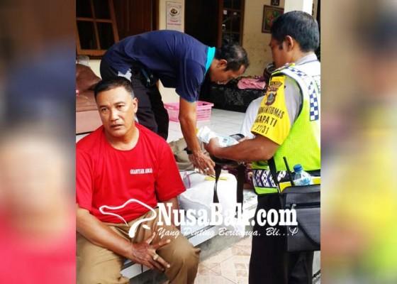 Nusabali.com - dikeroyok-anggota-dalmas-babak-belur
